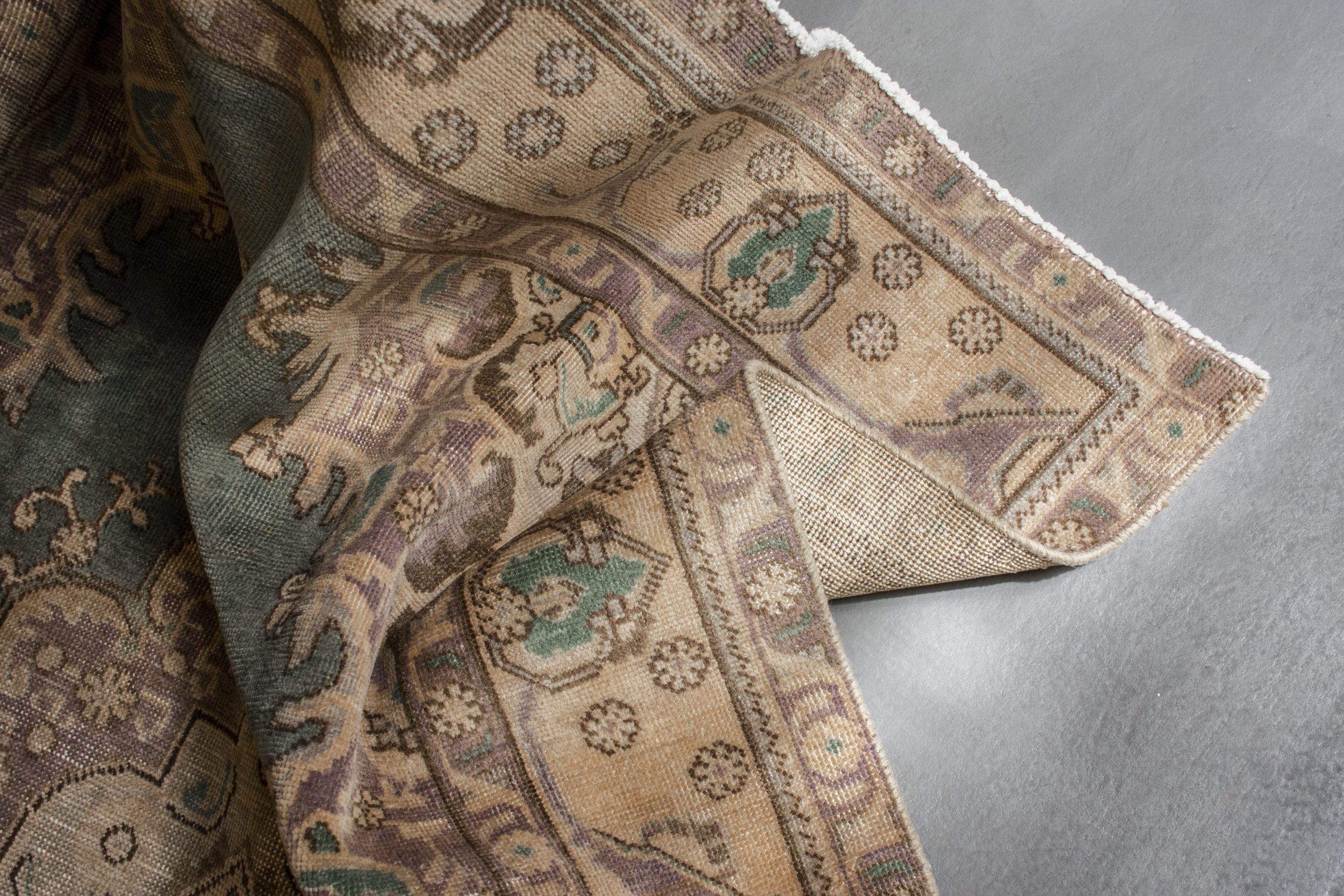 فرش شاخص دستباف